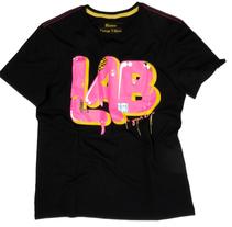 Blanco t-shirt. Un proyecto de Diseño e Ilustración de Carlos Taboada - Miércoles, 28 de julio de 2010 13:26:13 +0200