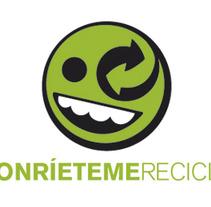 """Sonríeteme Recicla. Un proyecto de Diseño e Ilustración de Jordi Vidal """"TRiLL""""         - 10.11.2013"""
