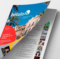 Badalona Comunicació, revista Bétulo. Um projeto de Br, ing e Identidade, Design editorial e Design gráfico de Raul PeBe         - 19.06.2014