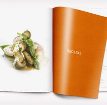 Book design. Un proyecto de Diseño editorial y Diseño gráfico de le  dezign - Jueves, 03 de julio de 2014 00:00:00 +0200