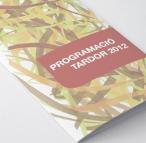 Tríptico trimestral de actividades. A Editorial Design, and Graphic Design project by Cristina Campos Forés         - 23.09.2014