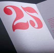 25 Aniversario Muestra de Artes Plásticas de Asturias. Un proyecto de Diseño, Br, ing e Identidad, Diseño editorial, Eventos y Diseño gráfico de Jorge  Lorenzo  - 03-03-2015