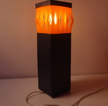 diseño lampara para philips. A Design, and Lighting Design project by Laura Garcia - 18-03-2013