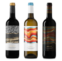 Vinos Rojalet. A Graphic Design, and Packaging project by Atipus  - 09.02.2015