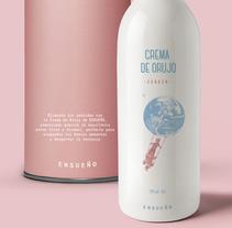 ENSUEÑO - Bebidas Espirituosas. Um projeto de Design, Br, ing e Identidade, Design gráfico, Packaging e Colagem de Ana San José Rodríguez         - 09.12.2015