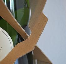 Pack de cava. Un proyecto de Diseño de producto de Ainara Rodriguez Oyarzun         - 11.03.2013