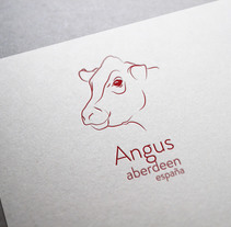 Angus Aberdeen España. A Design, Illustration, Br, ing, Identit, and Graphic Design project by Anais García - 09-07-2016