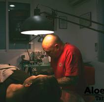 Aloe tattoo spot: Xavi García. A Advertising, Photograph, Film, Video, TV, Fine Art, Cop, writing, Film, and Video project by Manuel Moreno         - 16.09.2015