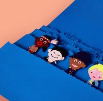 Cartel publicitario para documental HISTORIAS NACIONALES EN UN MARCO GLOBALIZADO. Un proyecto de Diseño, Publicidad, Fotografía, Diseño de personajes, Educación, Diseño gráfico, Escenografía y Paper craft de Pablo Yagüe López - 20-10-2015