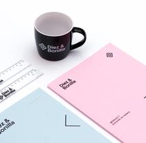 Díez&Bonilla rebranding. Un proyecto de Br, ing e Identidad, Diseño gráfico e Infografía de relajaelcoco         - 15.11.2017